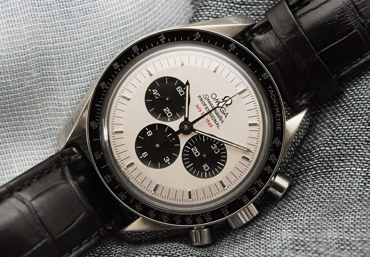 Đồng hồ Omega Speedmaster với thiết kế Panda Dial