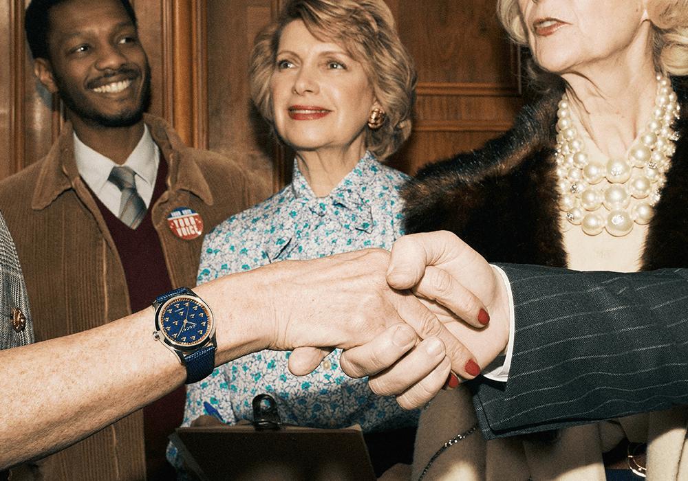 Đồng hồ Gucci G-Timeless Auto 2019 mặt số và dây da màu xanh