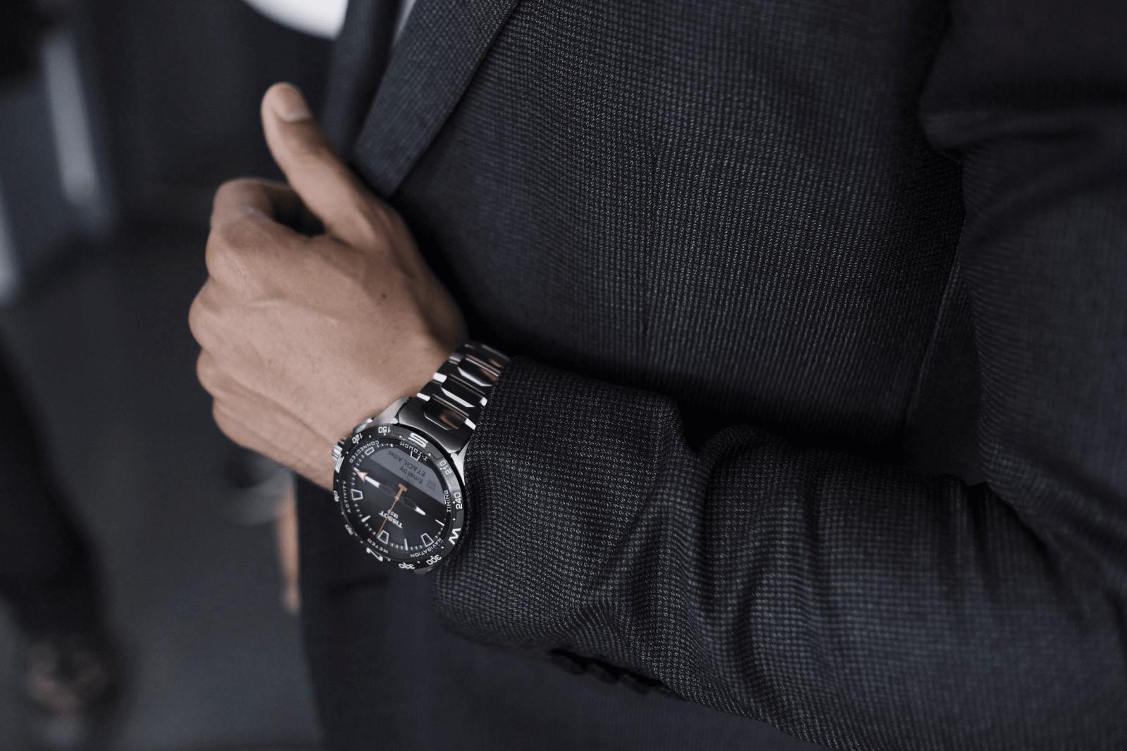 đồng hồ thông minh thụy sĩ tissot t-touch connect solar 2020
