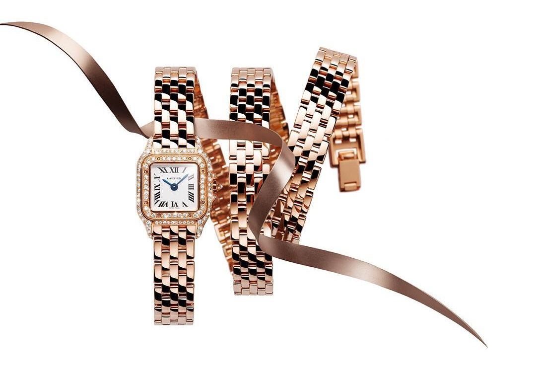 banner đồng hồ Cartier Panthere