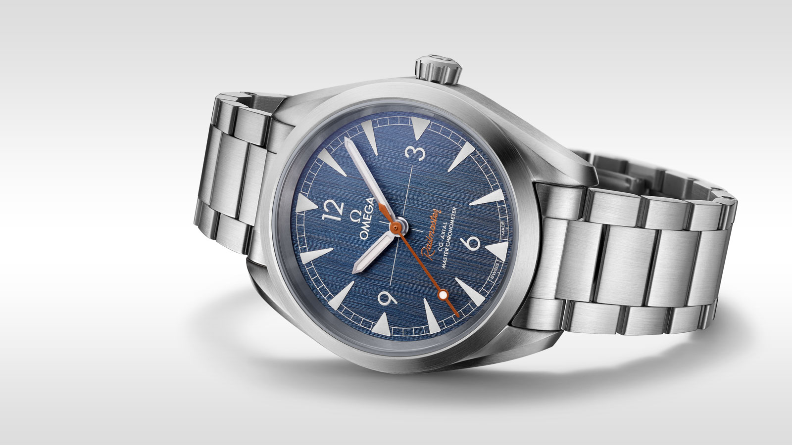 "đồng hồ Omega Railmaster Master Chronometer ""Denim"" steel"