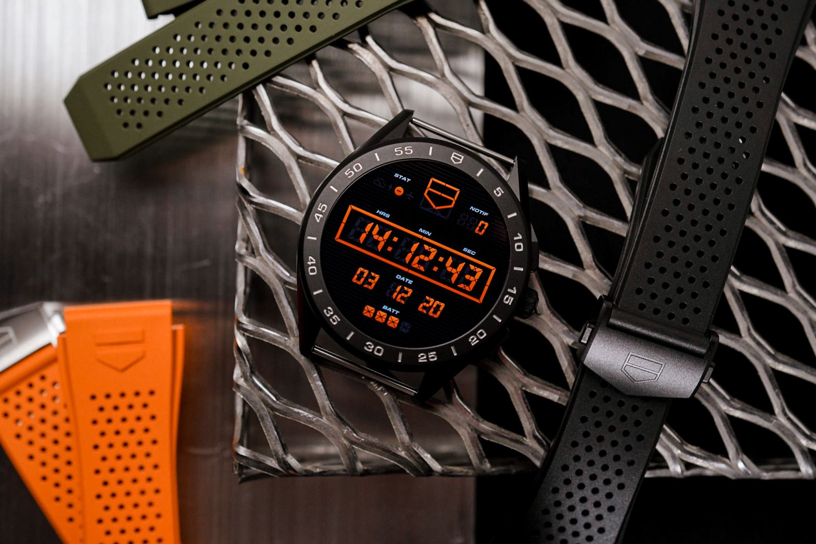TAG HEUER CONNECTED SMARTWATCH 2020 vỏ titan 2 lớp