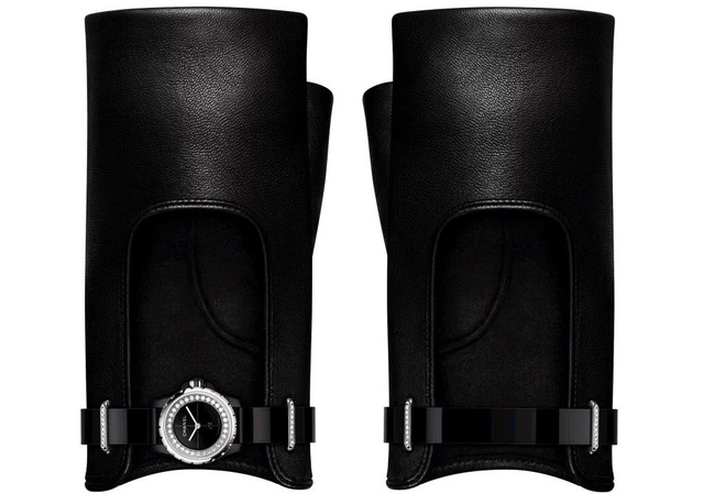 """Đồng hồ Chanel """"J12.XS"""" - Độc, lạ và quý giá - Luxury Shopping"""