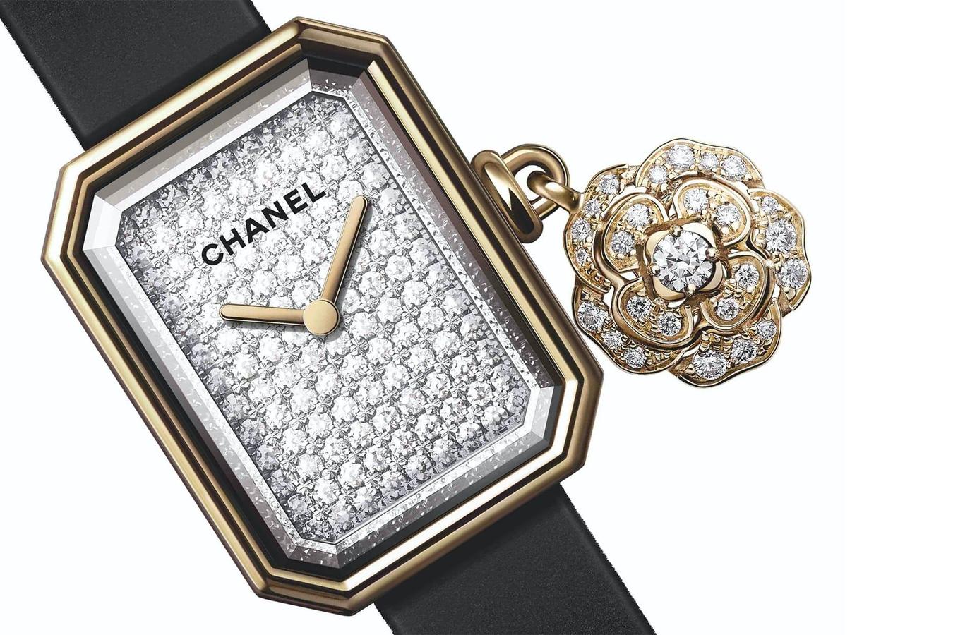 dong-ho-Chanel-Première-Extrait-De-Camélia-2