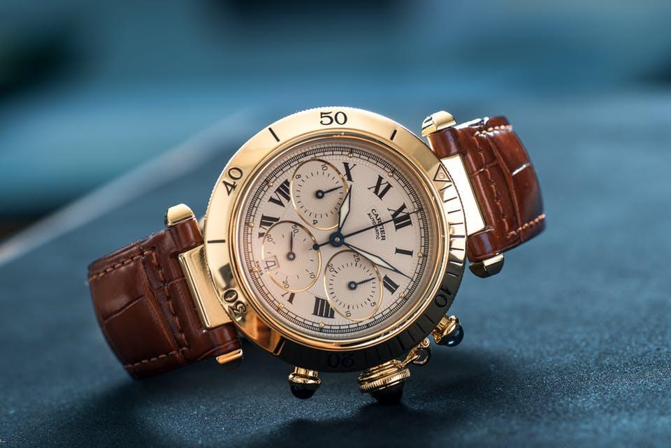 đồng hồ Cartier