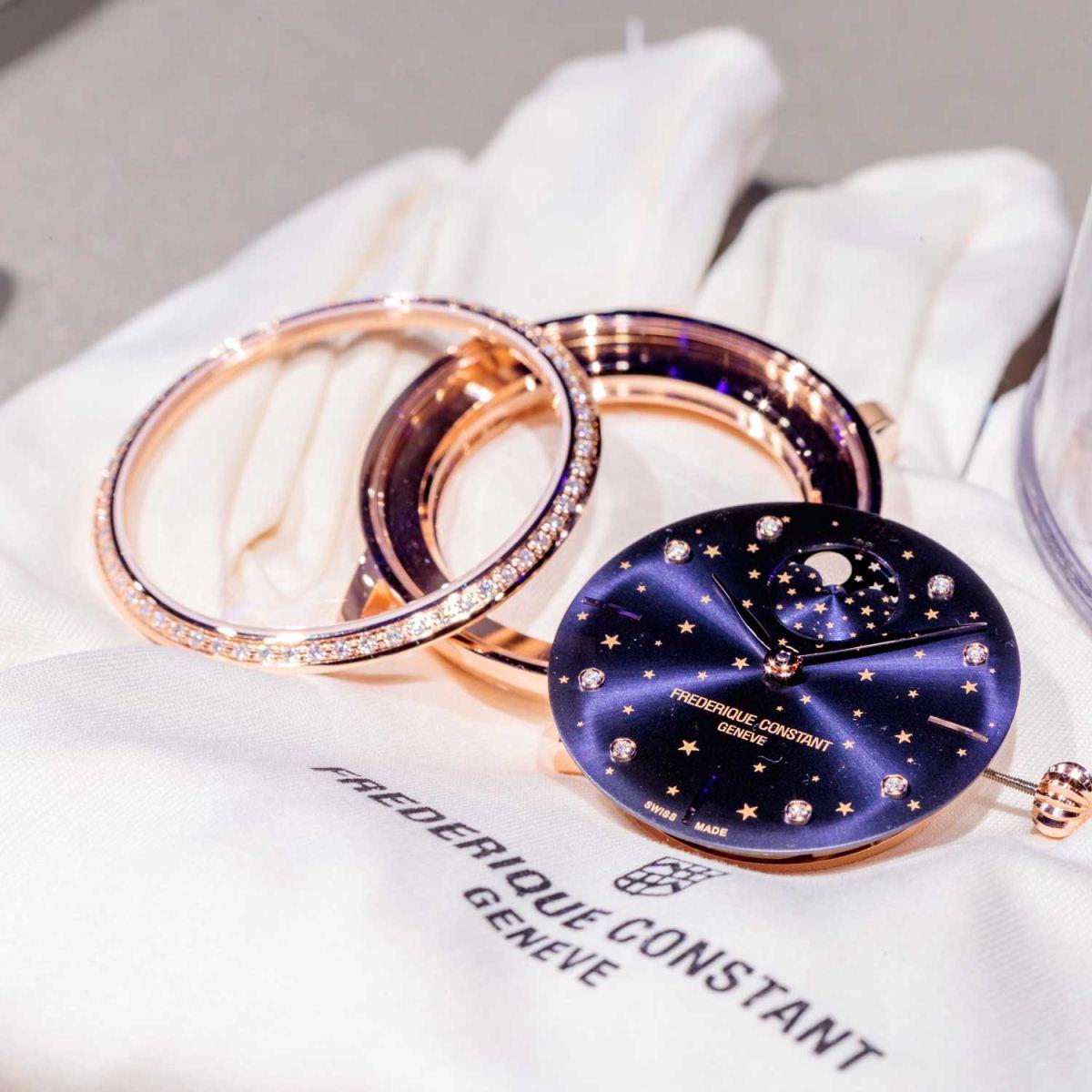 mặt số đồng hồ Frédérique Constant Slimline Moonphase