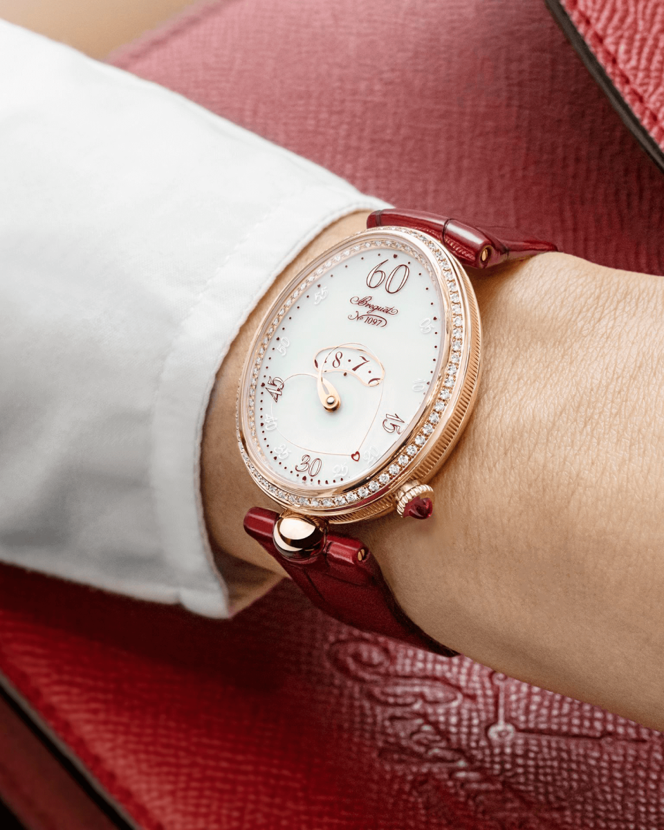 đồng hồ nữ màu đỏ valentine Breguet Reine de Naples Cœur 9825 (Ref. 9825BR/S8/964 D00D)