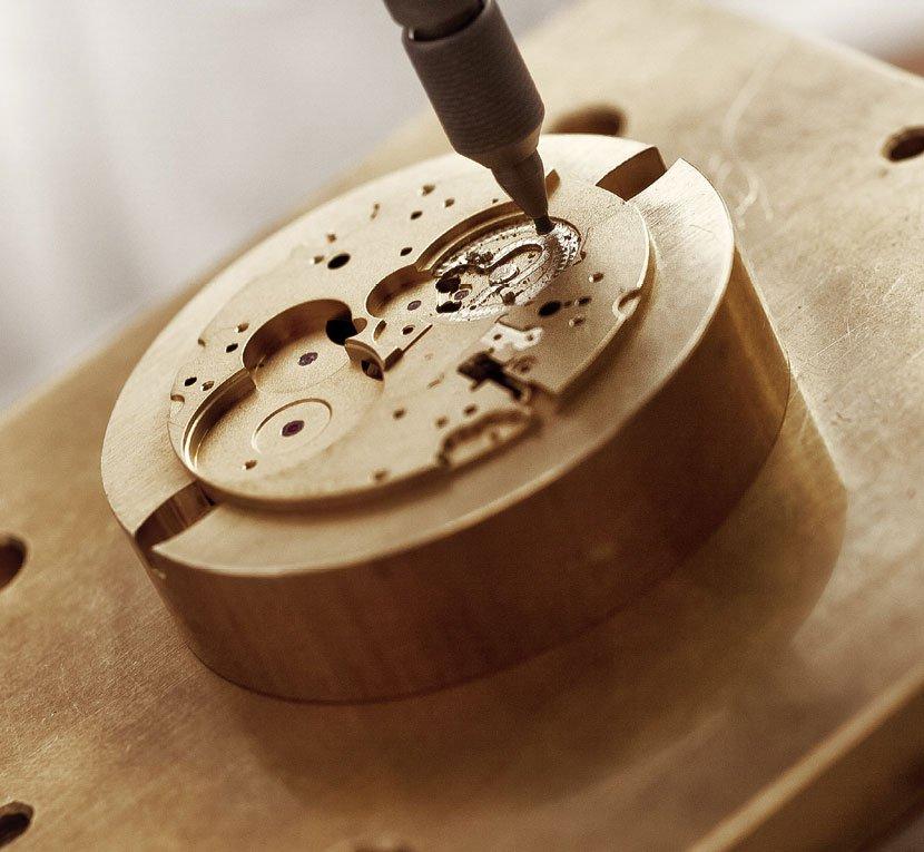 bộ máy đồng hồ Frederique Constant (FC)