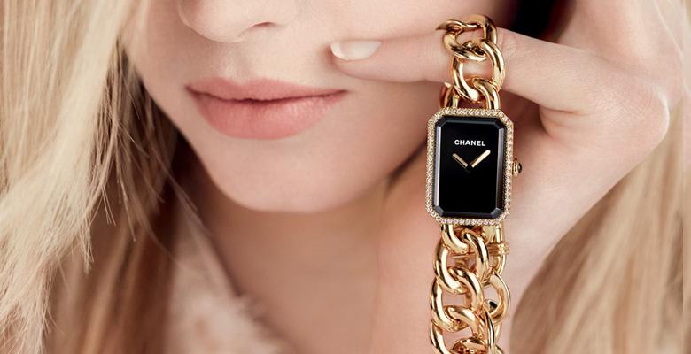 banner đồng hồ Chanel Première