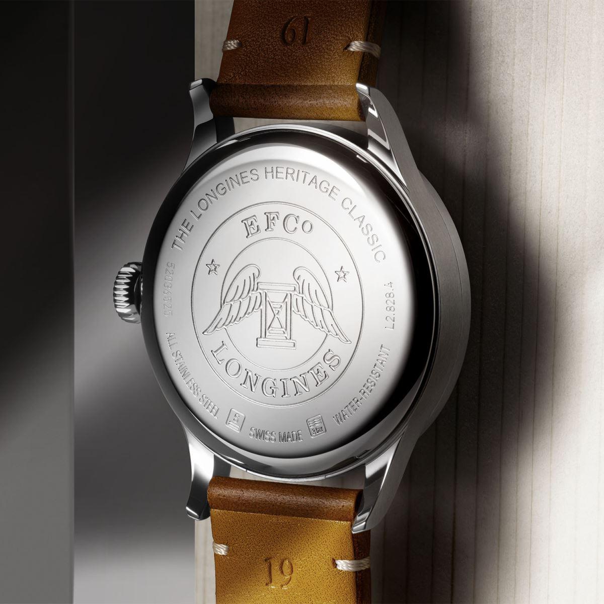 đồng hồ Longines Heritage Classic với mặt số màu đen và dây đeo BoR